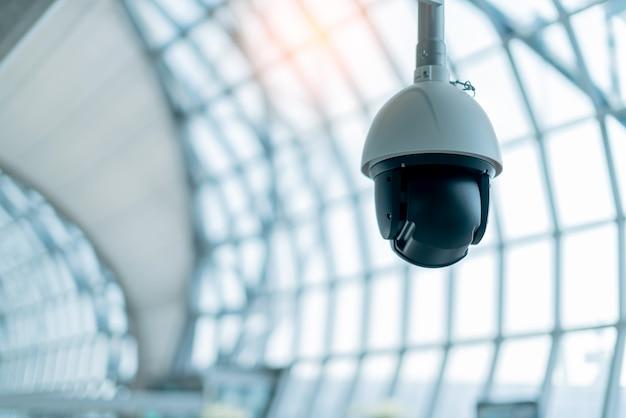 Cctc installer dans le concept des idées de système de sécurité hall public