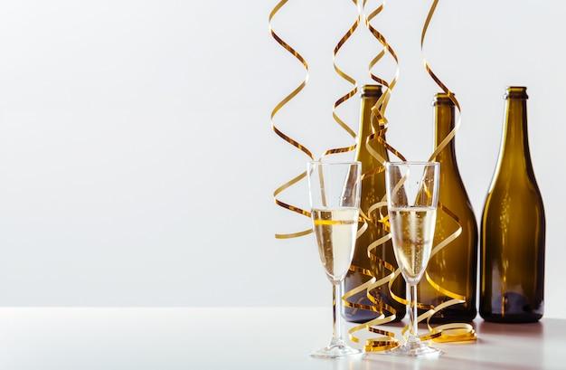 Célébration du nouvel an avec champagne