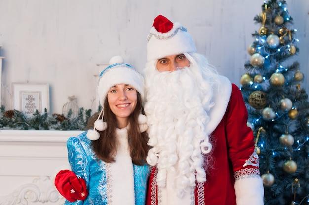 Célébration, noël, nouvel an, heure d'hiver, vacances, père noël, fille de neige
