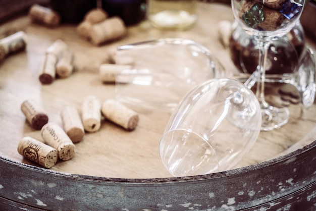 Célébration verser fond en verre blanc