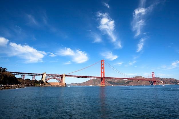 Célèbre golden gate bridge à san francisco, californie, usa