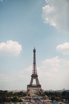La célèbre tour eiffel