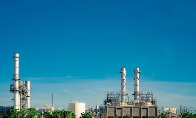 Centrale électrique à turbine à gaz. énergie pour l'usine de soutien dans la zone industrielle. réservoir de gaz naturel. petite centrale à gaz. centrale électrique utilisant du gaz naturel comme combustible. énergie verte.