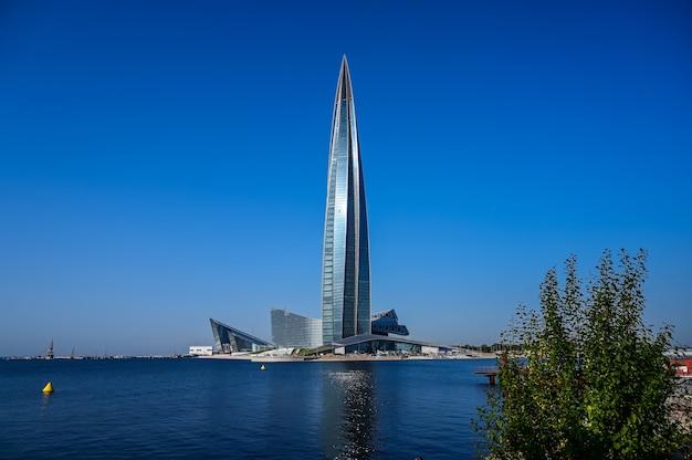 Centre lakhta. plus haut bâtiment d'europe. belle architecture.