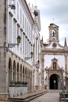 Centre-ville historique dans le jardin manuel bivar
