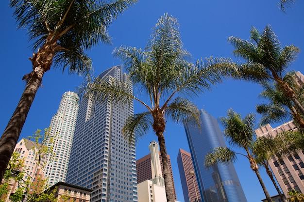 La centre-ville de los angeles pershing square palm tress