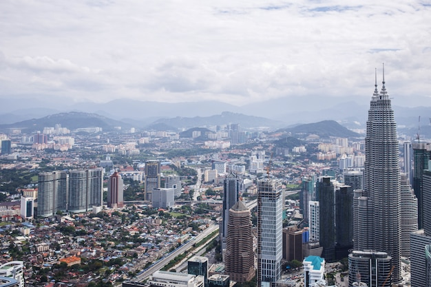 Centre-ville avec tours jumelles petronas, kuala lumpur skyline
