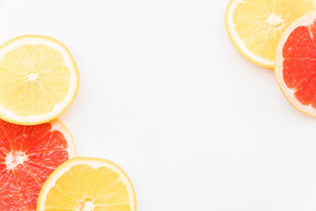 Cercles d'orange et de pamplemousse