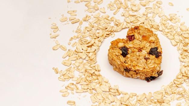 Céréales aux raisins secs et graines de sésame