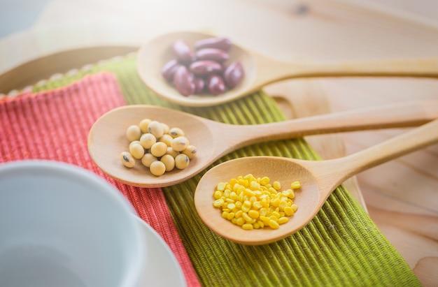 Céréales, graines, haricots