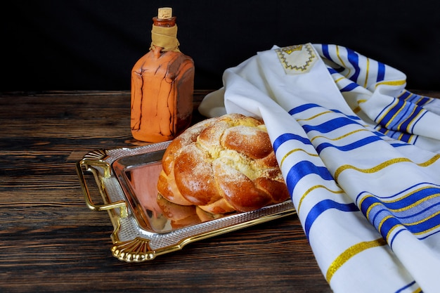 Cérémonie juive de kiddouch d'accueil du samedi shabbat ou fête de la fête juive