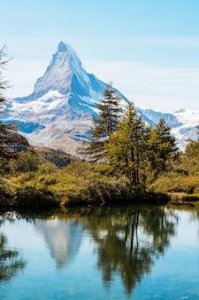 Cervin avec lac grindjisee à zermatt