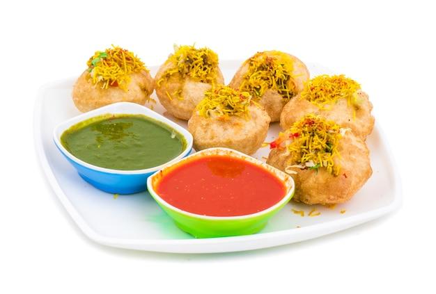 Chaat épicé indien article sev puri