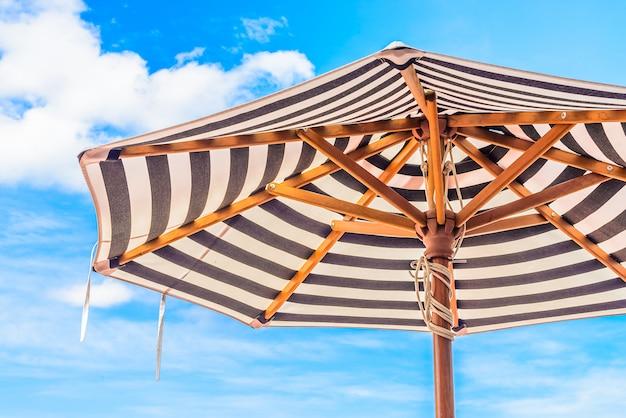 Chaise de piscine parapluie