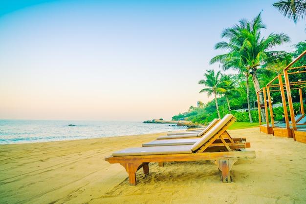 Chaise vide sur la plage
