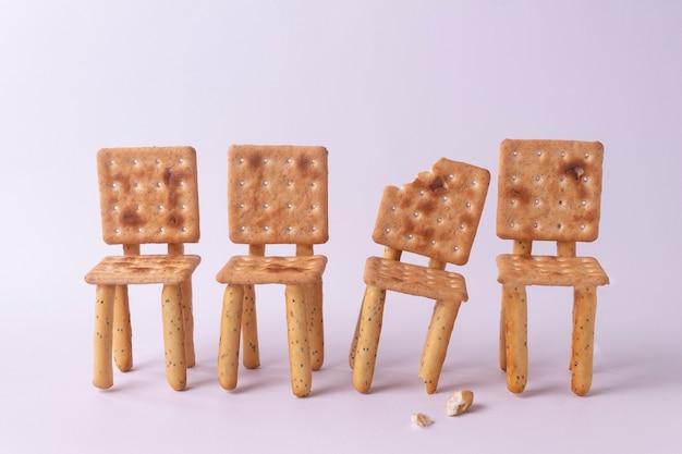 Chaises en biscuits