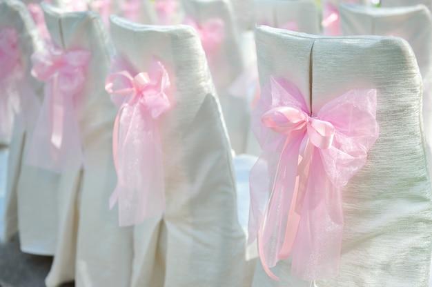Chaises de mariage blanc