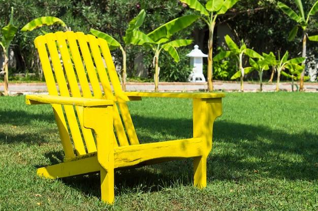Chaises de soleil en bois