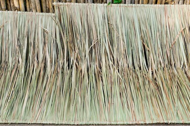 Chalet de toits de chaume pour le fond et la texture