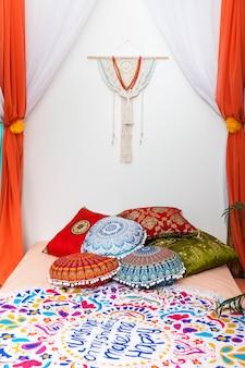 Chambre aux couleurs vives