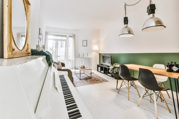 Une chambre confortable et spacieuse dans une maison de luxe