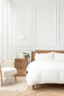 Chambre à coucher moderne lumineuse et propre dans un style scandinave
