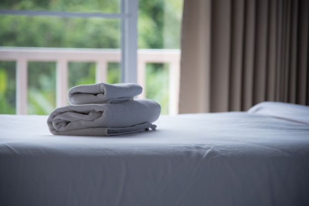 Chambre et couverture de luxe dans un hôtel ou une maison pour le repos