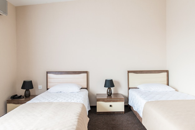 Chambre double dans un hôtel moderne