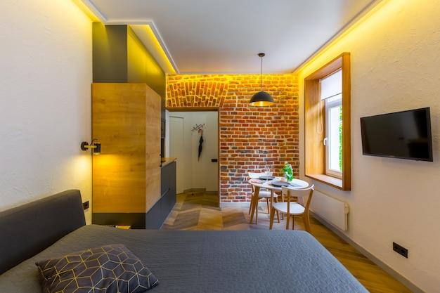 Chambre De Style Loft Moderne Avec Grand Lit Photo Premium