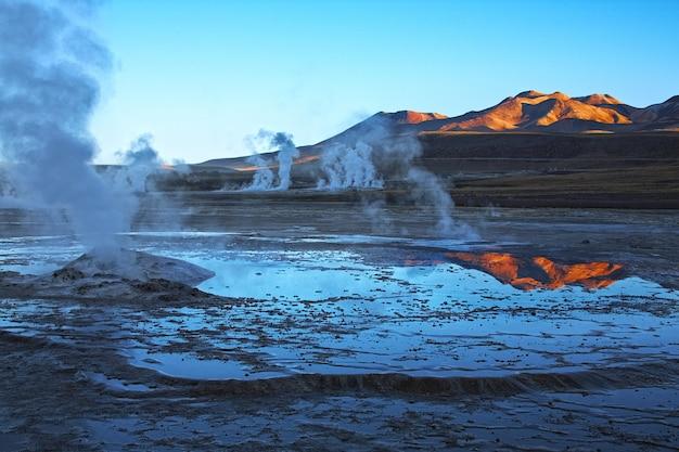 Champ de geysers el tatio dans la région d'atacama, chili