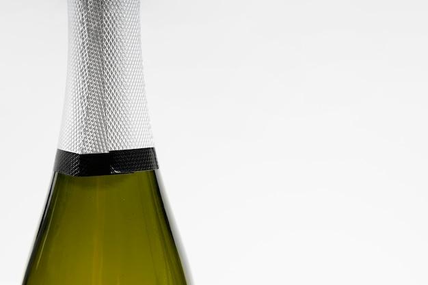 Champagne en gros plan avec espace copie