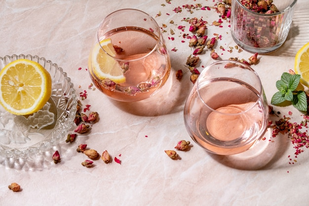 Champagne rose rose ou limonade