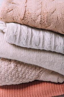 Chandails chauds le concept de vêtements d'hiver