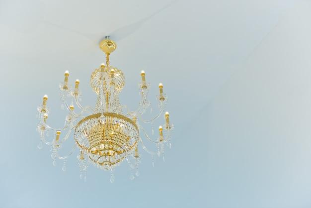 Chandeliers, belle lumière, lumière de luxe