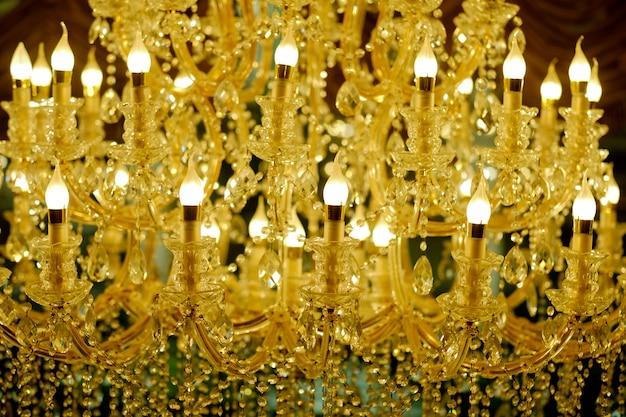 Chandeliers, lumière de luxe