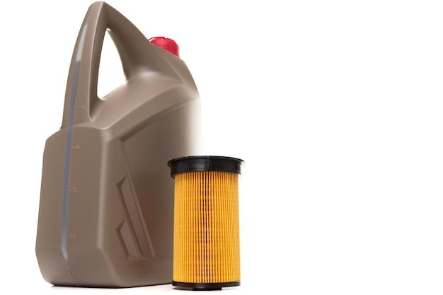 Changement d'huile et de filtre dans une voiture équipée d'un moteur à combustion interne