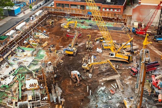 Chantier de construction avec des machines à new york