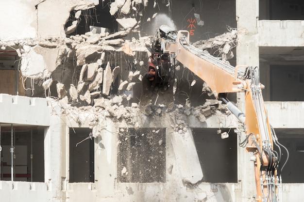 Chantier de démolition d'un bâtiment