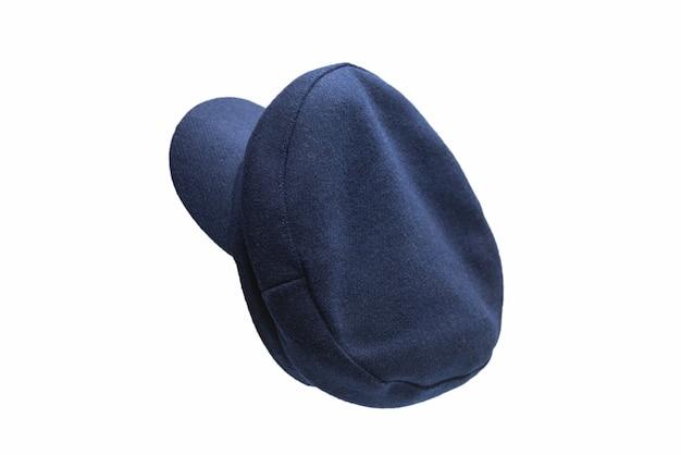 Chapeau bleu femelle avec une visière isolée sur une surface blanche
