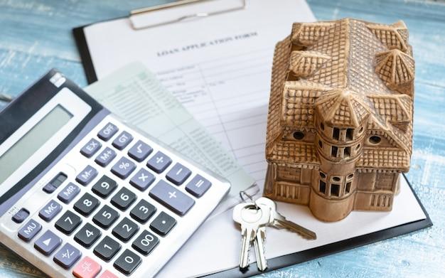 Charge à la maison et investissement réel de l'état réel.