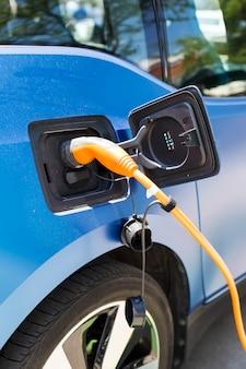 Charge d'une voiture électrique