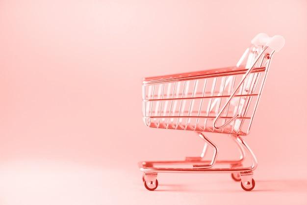 Chariot. chariot de magasin au supermarché