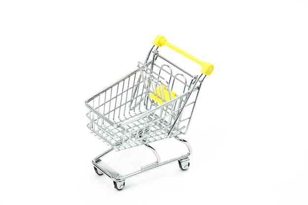 Chariot de supermarché vide, tendance de consommation consciente