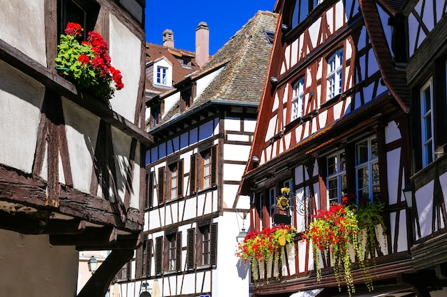 Charmantes maisons à colombages de la vieille ville de strasbourg. france