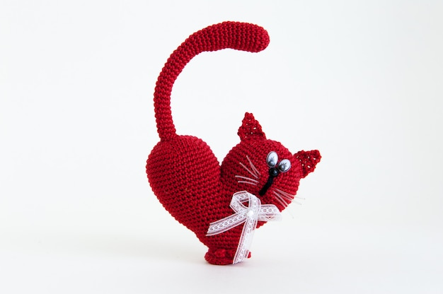 Chat tricoté en cadeau pour la saint valentin