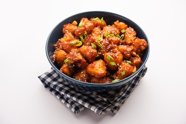 Châtaigne d'eau pimentée, entrée indo chinoise croustillante ou snacks à base de singada