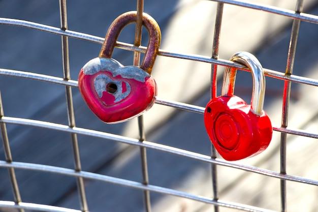 Château de l'amour. le cadenas à traction et jeter la clé le jour du mariage.