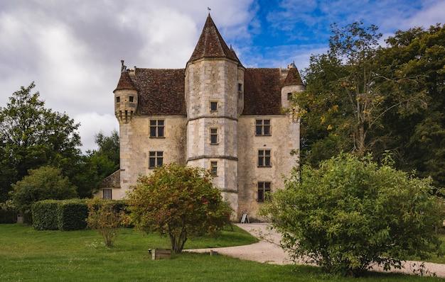 Château en france rurale