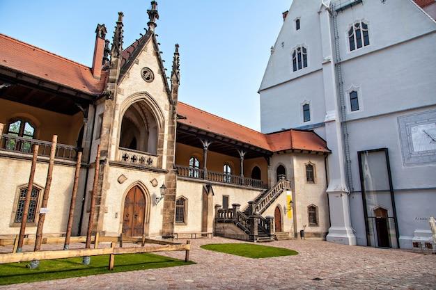 Le château de meissen albrechtsburg est considéré comme le plus ancien château d'allemagne