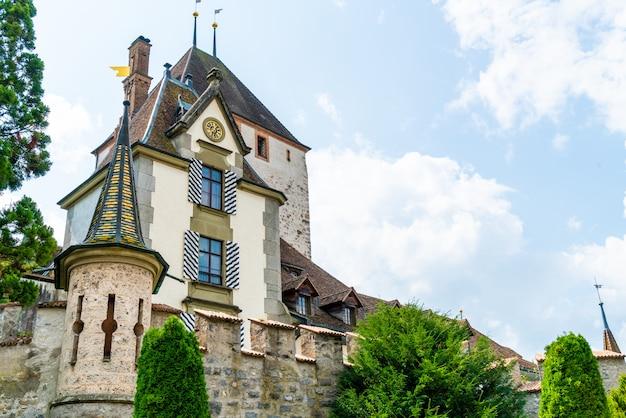 Château d'oberhofen en suisse